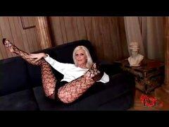 Long lady hottie in hose