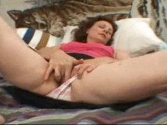 Hirsute slit gal rubs her hot clit