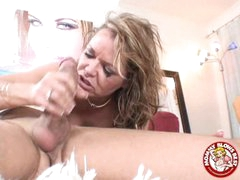 Messy Sexy Kelly Leigh Could Not Await To Smack Her Reward Spurting On Her Face hole