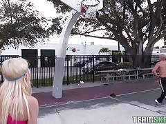 Chloe Foster tried to hit the court for some one-on-one basketball, but that babe has no skill for the game. She does have some off-the-court skills though, like sucking cock. After the dude bench presses her and squeezes her miniature tits, that babe acquires on her knees and pulls out his pole, sucking it greedily.