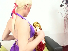 Shemale cheerleader acquires his butt banged
