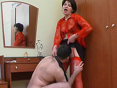 Hot mama in red nylons getting to facesitting previous to wild muff-splitting