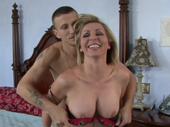 Lisa Demarco is the epitome of the aged mom u'd like to fuck.  That Babe's had sex with enough studs to know what receives a stud off and how to give a world-class fellatio.  And this babe's young enough to still have a firm body and rack, which this hottie shows off to full effect here.
