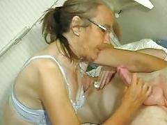 Scrawny Old Granny does like a Penis