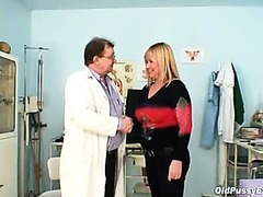 Large tits blond mature curly cookie exam