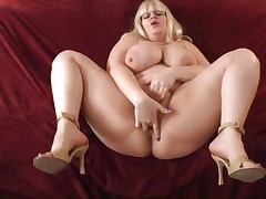 Plump playgirl Tiffany Blake gets hammered