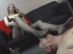 Corporalist cutie wants him to lick her feet